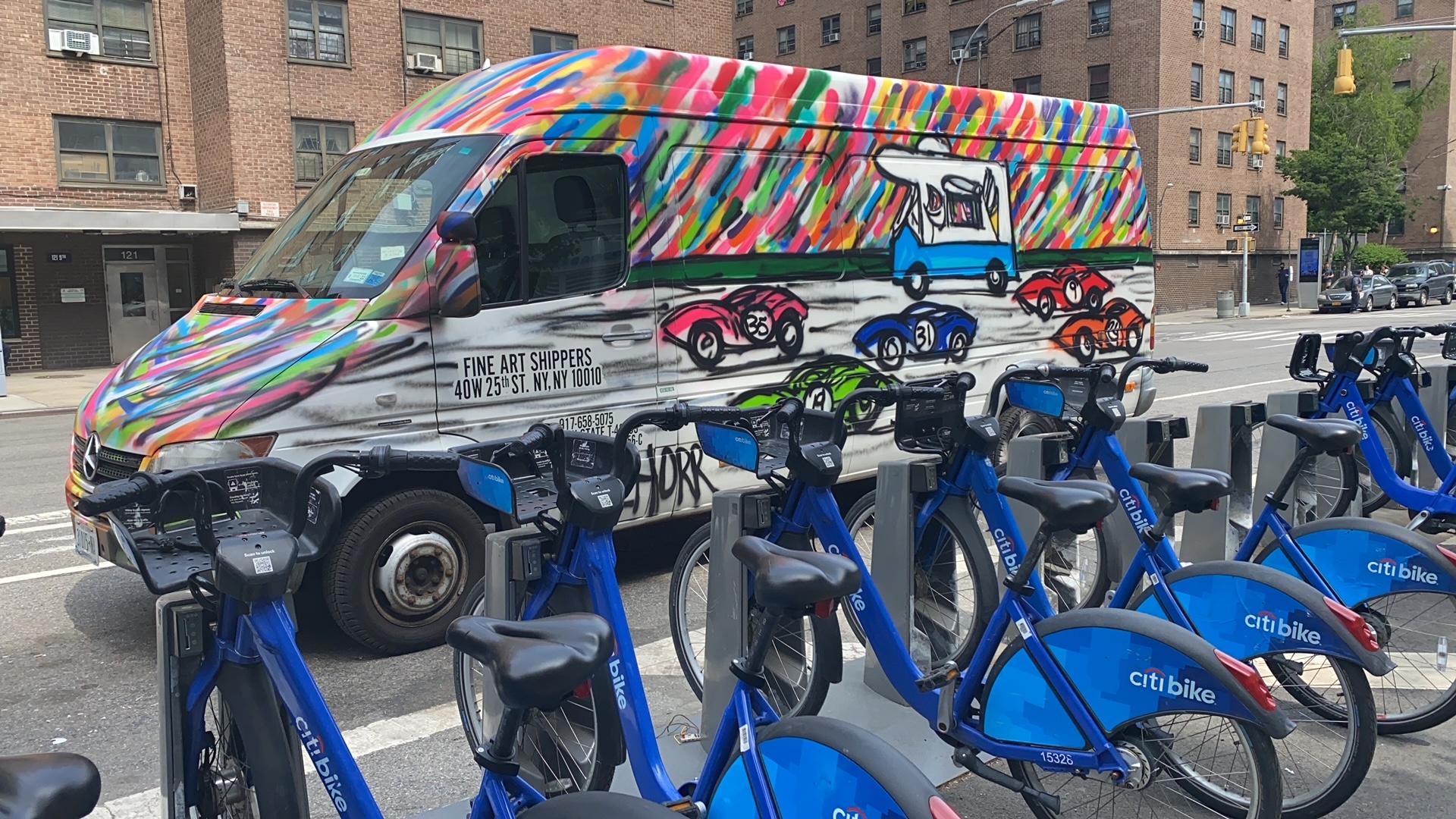 Da Race on Wheels: When Street Art Meets Fine Art Logistics